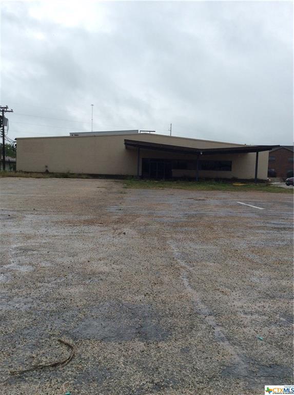 2109 N Esplanade, Cuero, TX 77954 (MLS #344895) :: RE/MAX Land & Homes