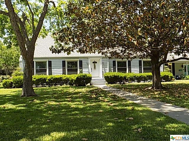 1106 N Terrell Street, Cuero, TX 77954 (MLS #346656) :: Erin Caraway Group