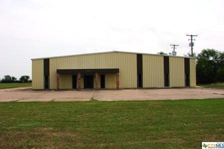 5301 Houston Hwy, Victoria, TX 77901 (MLS #347198) :: Erin Caraway Group