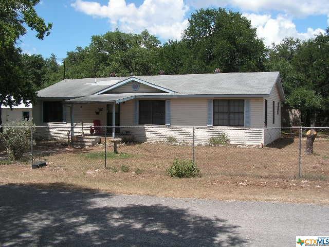 127 Oakridge, Canyon Lake, TX 78133 (MLS #350184) :: Erin Caraway Group