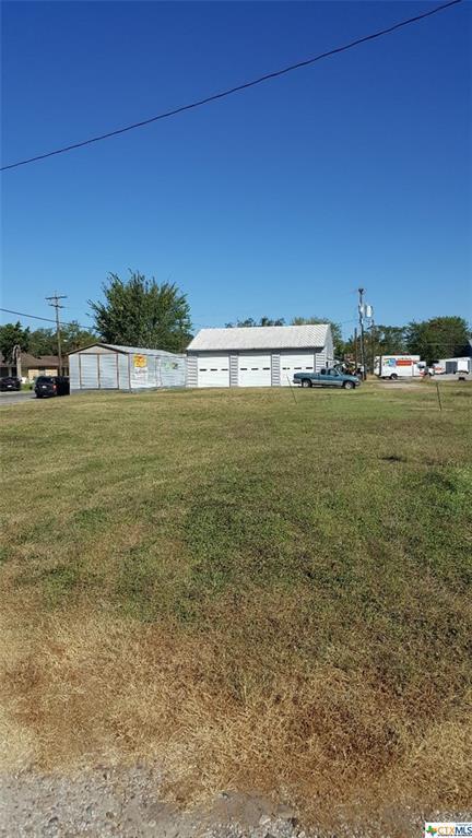 1506 N Esplanade, Cuero, TX 77954 (MLS #355893) :: RE/MAX Land & Homes