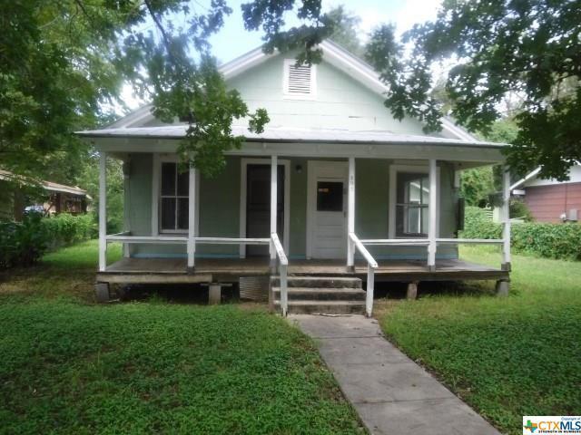 331 E 4th Street, Yorktown, TX 78164 (MLS #359528) :: RE/MAX Land & Homes