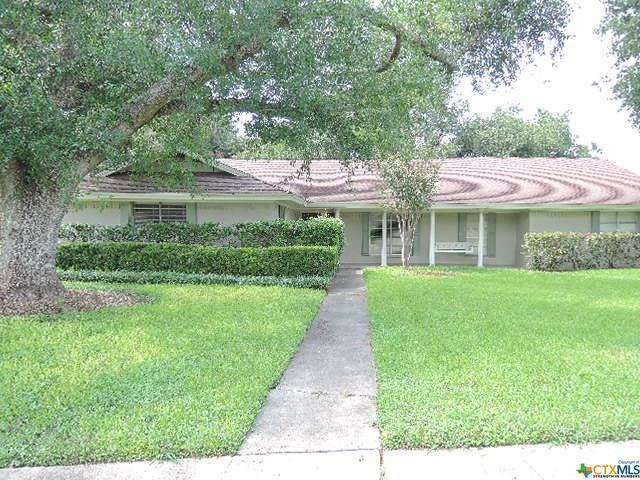 205 Birchwood, Victoria, TX 77901 (MLS #360261) :: Magnolia Realty