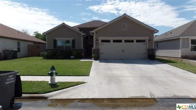 203 Nantucket, Victoria, TX 77904 (MLS #361578) :: Kopecky Group at RE/MAX Land & Homes