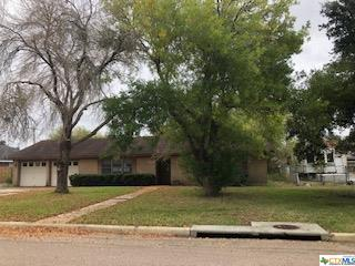 2204 Jackson, Port Lavaca, TX 77979 (MLS #364739) :: Kopecky Group at RE/MAX Land & Homes