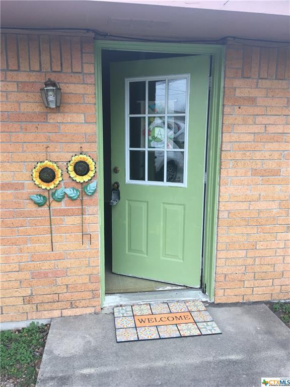 810 Macarthur Street, Cuero, TX 77954 (MLS #367333) :: RE/MAX Land & Homes