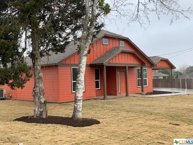102 Garbade Lane, Flatonia, TX 78941 (MLS #368981) :: Vista Real Estate