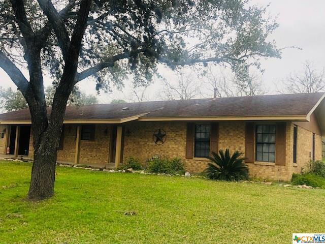 704 3rd C, Cuero, TX 77954 (MLS #369350) :: Kopecky Group at RE/MAX Land & Homes