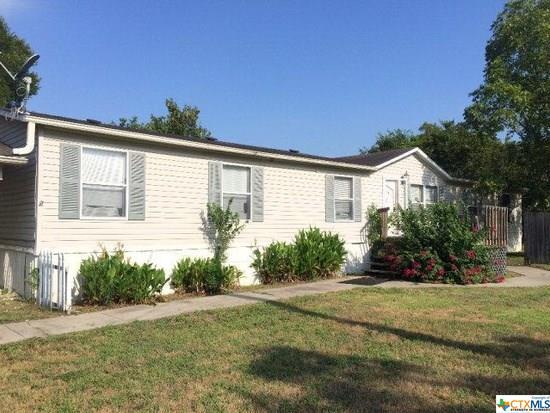 211 E Bailey, Cuero, TX 77954 (MLS #369730) :: Kopecky Group at RE/MAX Land & Homes
