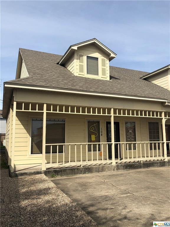 104 Kelly Drive D, Victoria, TX 77904 (MLS #371383) :: The i35 Group