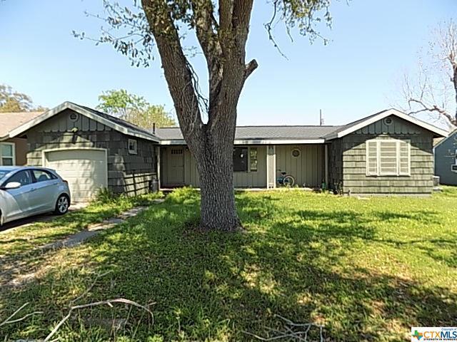 208 W Heard, Refugio, TX 78377 (MLS #373026) :: The Graham Team