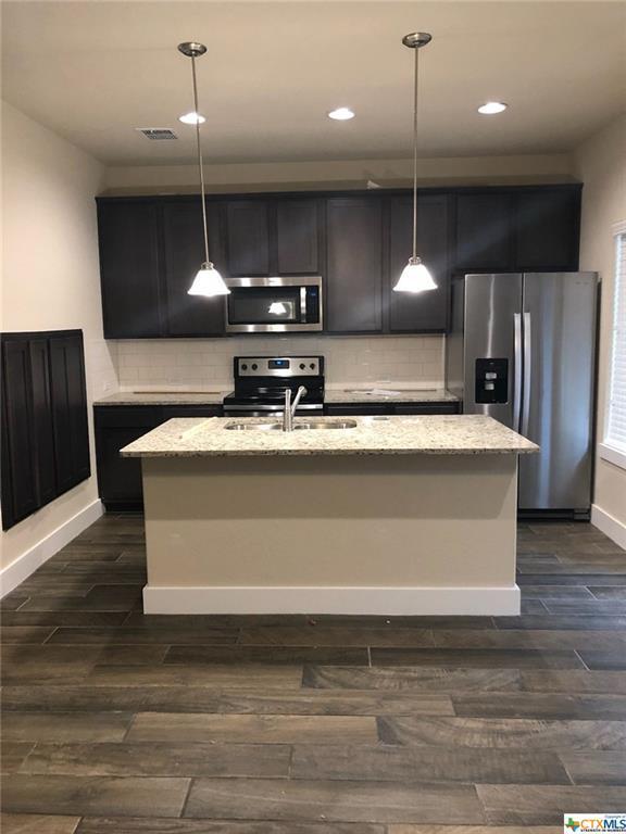 939 Langesmill Drive 7B, New Braunfels, TX 78130 (MLS #373653) :: Magnolia Realty