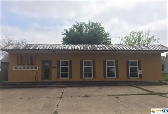 303 N Lutterloh Avenue, Gatesville, TX 76528 (MLS #374343) :: Kopecky Group at RE/MAX Land & Homes