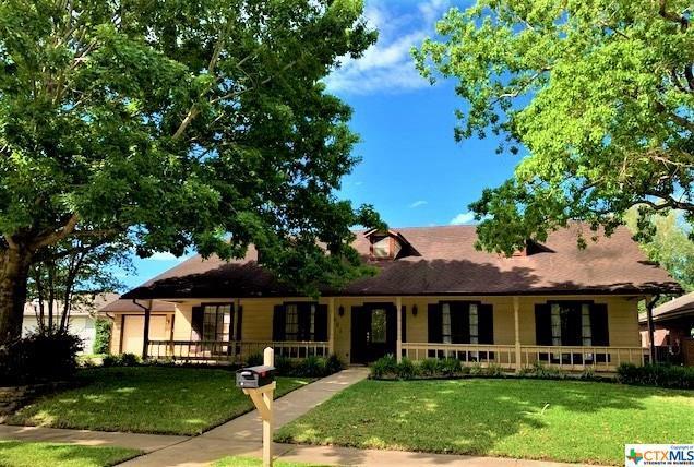 601 Chimney Rock Drive, Victoria, TX 77904 (MLS #375964) :: Kopecky Group at RE/MAX Land & Homes