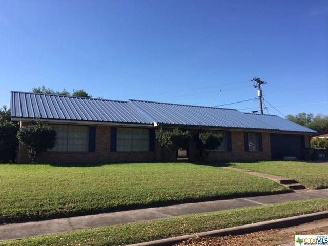 1102 Plantation Road, Victoria, TX 77904 (MLS #376105) :: Kopecky Group at RE/MAX Land & Homes