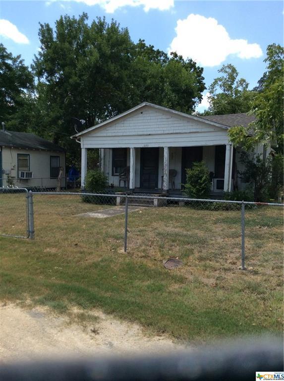 409 W Morgan Avenue, Cuero, TX 77954 (MLS #385531) :: RE/MAX Land & Homes