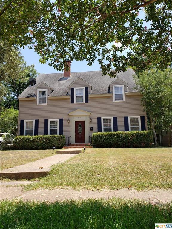 1210 E Leon Street, Gatesville, TX 76528 (MLS #386035) :: The i35 Group
