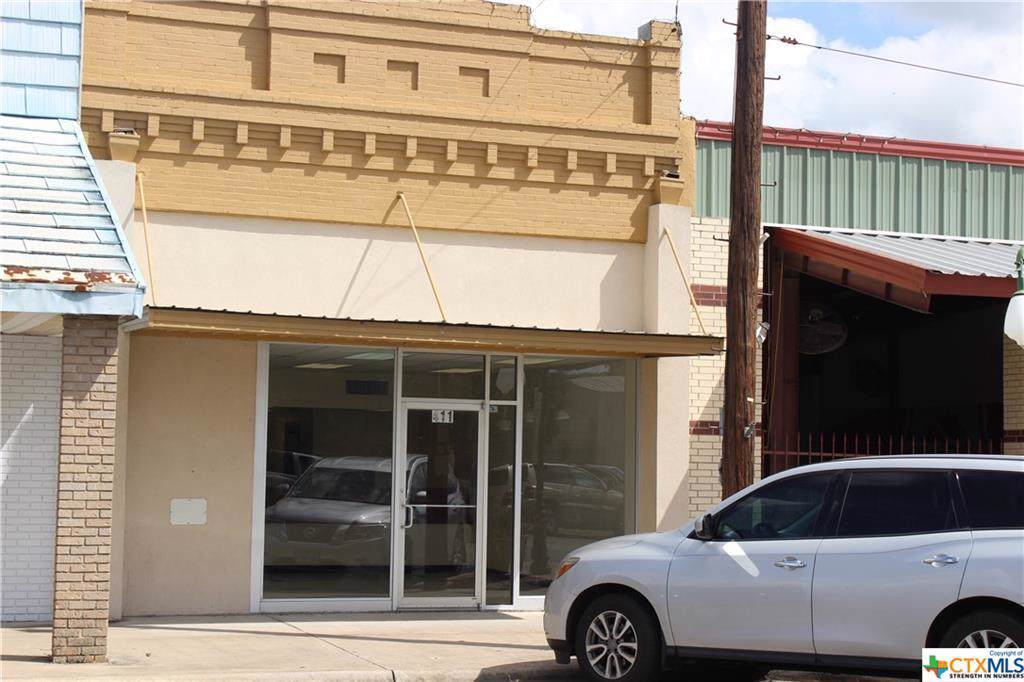 411 Davis Street - Photo 1