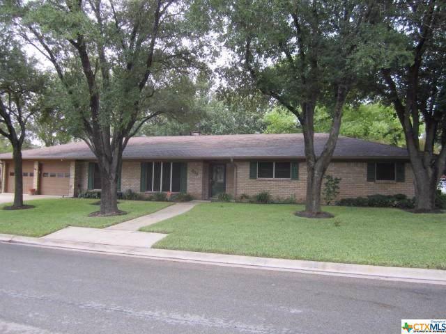 311 S College Avenue, Troy, TX 76579 (MLS #394420) :: Brautigan Realty