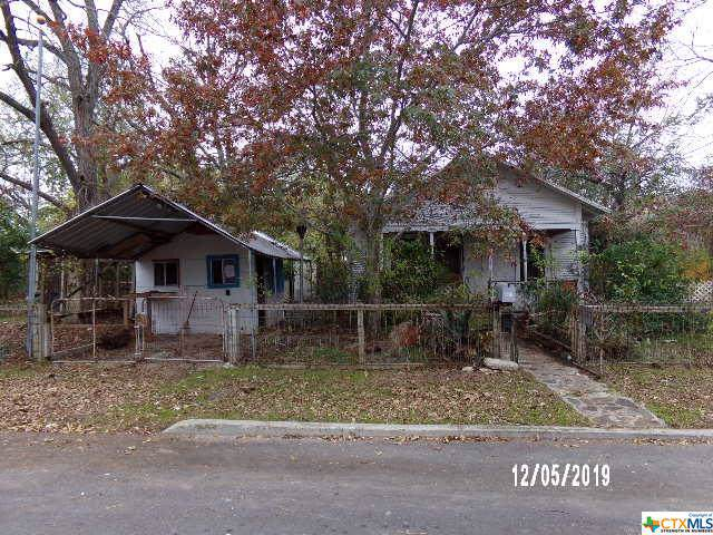 720 S Academy Avenue, New Braunfels, TX 78130 (MLS #397105) :: The Real Estate Home Team