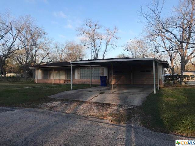 106 Hefferman Street, Yoakum, TX 77995 (MLS #397764) :: Brautigan Realty