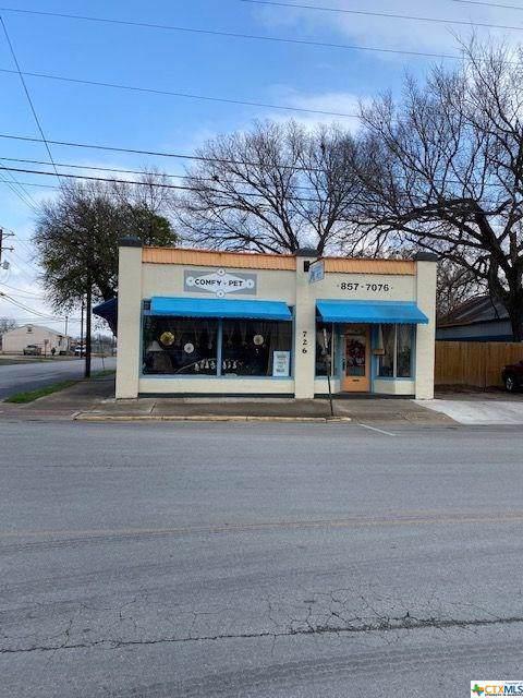 726 Saint Paul Street, Gonzales, TX 78629 (MLS #399185) :: Kopecky Group at RE/MAX Land & Homes