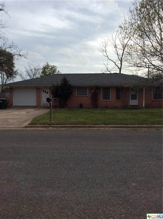 1201 Moss Lane, Cuero, TX 77954 (MLS #404465) :: Kopecky Group at RE/MAX Land & Homes