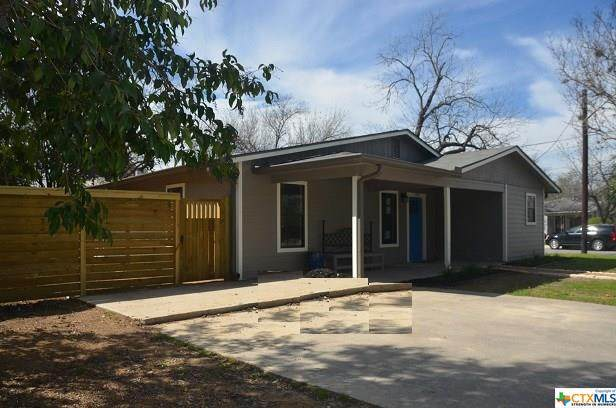 195 N Peach Avenue, New Braunfels, TX 78130 (#413048) :: Realty Executives - Town & Country