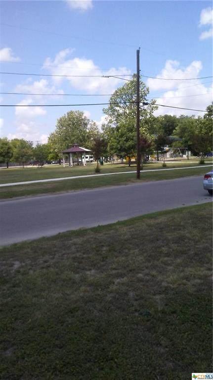737 Simon Avenue - Photo 1