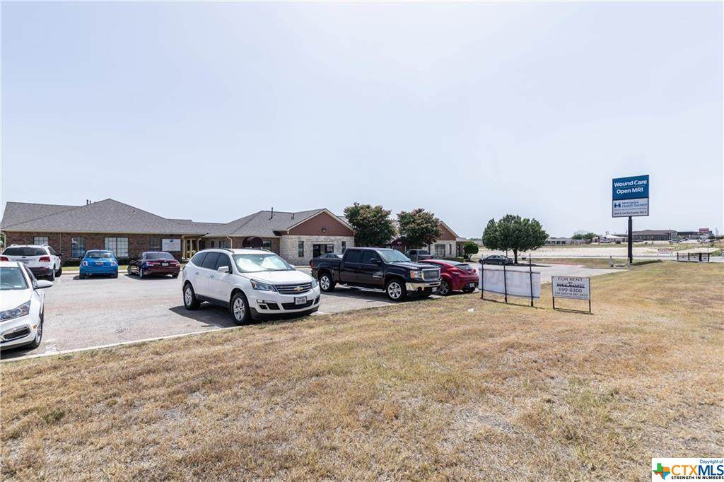 5610 Central Texas Expressway - Photo 1