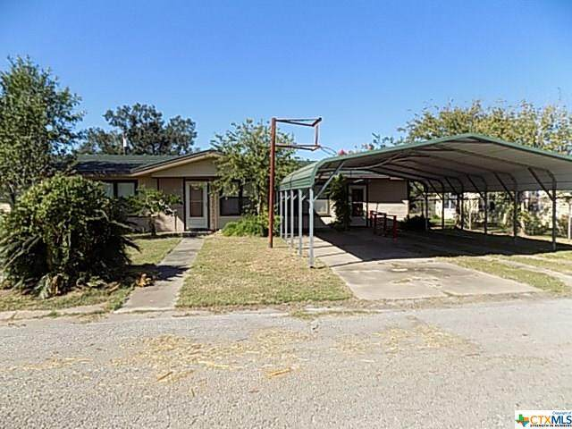 901 Magnolia Street, Refugio, TX 78377 (MLS #425789) :: The Zaplac Group