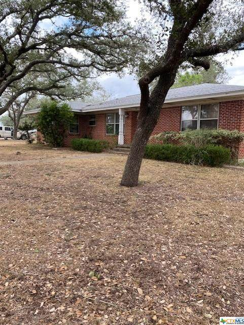536 W Ward Street, Goliad, TX 77963 (MLS #426444) :: Berkshire Hathaway HomeServices Don Johnson, REALTORS®