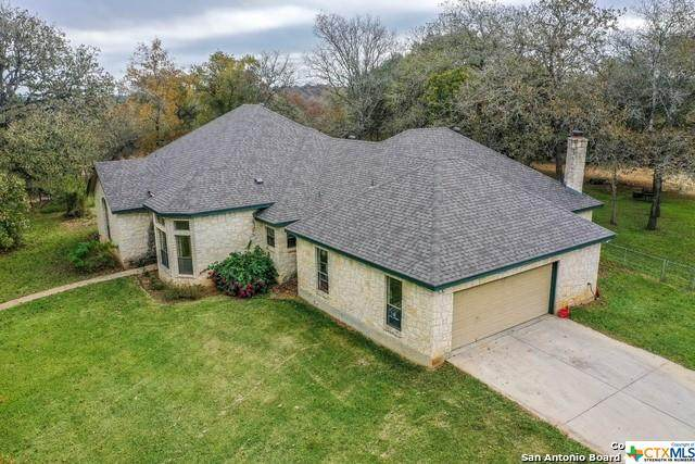 319 Oak Bend Dr, La Vernia, TX 78121 (MLS #427294) :: Kopecky Group at RE/MAX Land & Homes
