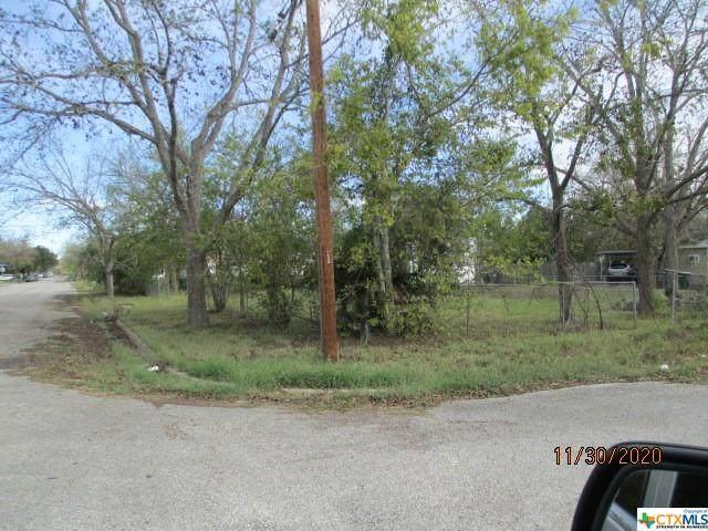 1602 E Commercial Street, Victoria, TX 77901 (MLS #427574) :: Brautigan Realty