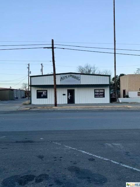 715 E Davis Street, Luling, TX 78648 (MLS #428237) :: The Real Estate Home Team