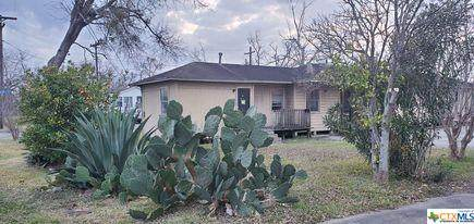 1213 S Navarro Street, Victoria, TX 77901 (MLS #430721) :: The Curtis Team