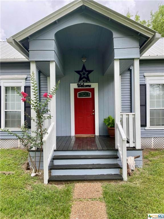 510 W May Street, Yoakum, TX 77995 (MLS #443916) :: The Myles Group
