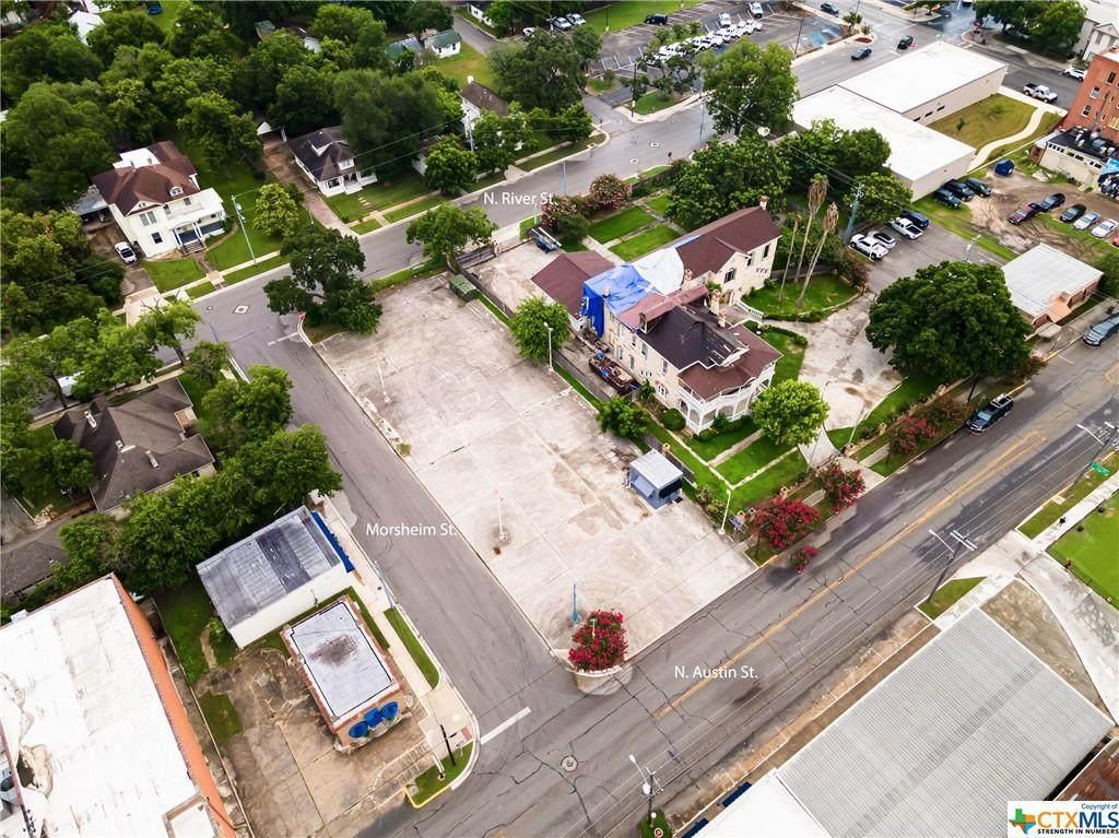 413 Austin Street - Photo 1