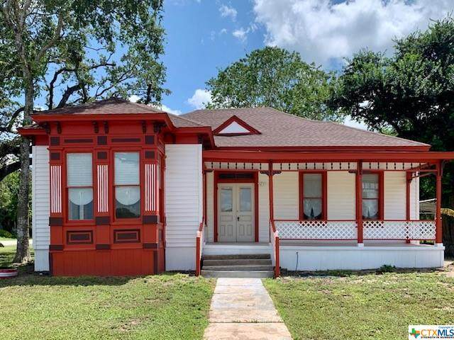 349 N Jefferson Street, Goliad, TX 77963 (MLS #448172) :: Kopecky Group at RE/MAX Land & Homes