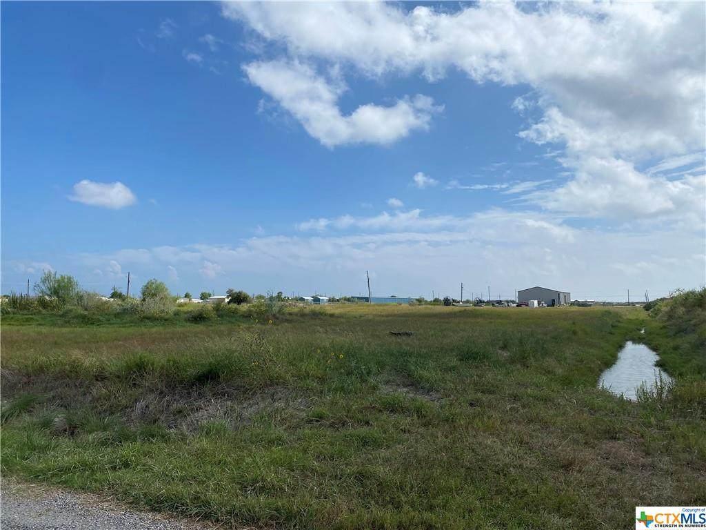 202 Allen M Parks Drive - Photo 1