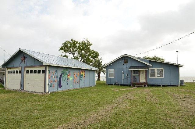 823 County Road, Port Alto, TX 77979 (MLS #V224500) :: Magnolia Realty