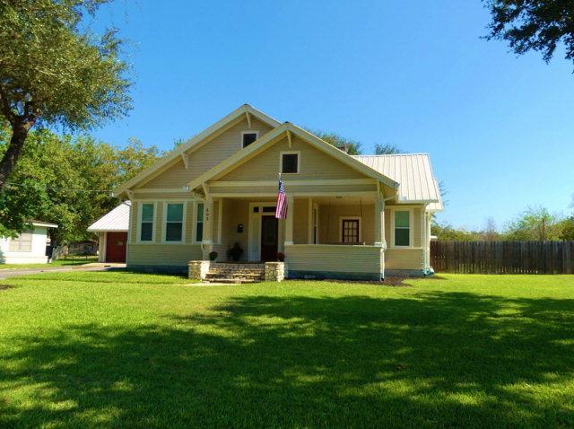403 S Main, Hallettsville, TX 77964 (MLS #V225610) :: RE/MAX Land & Homes