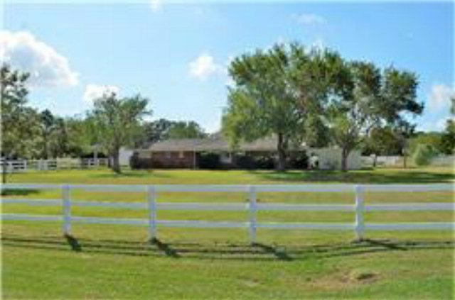 3449 Fm 2143, Port Lavaca, TX 77979 (MLS #V225621) :: Magnolia Realty