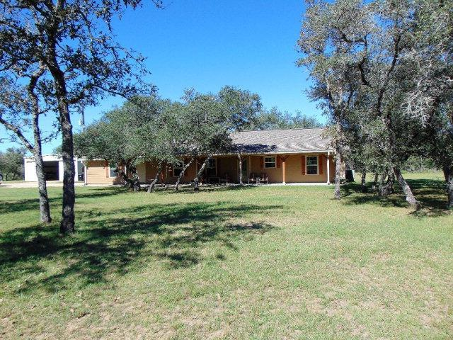 530 Private Road, Hallettsville, TX 77964 (MLS #V225623) :: RE/MAX Land & Homes