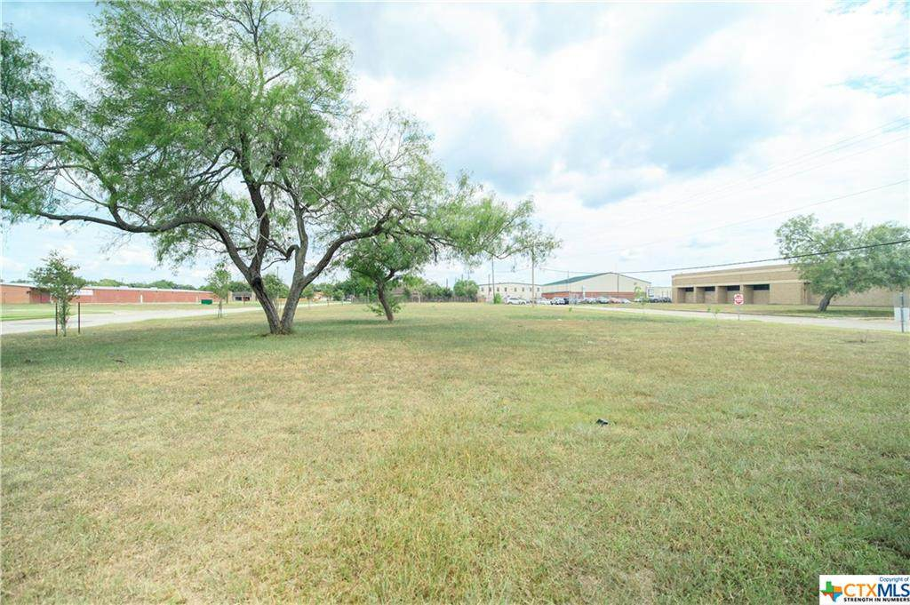2900 Sam Houston - Photo 1