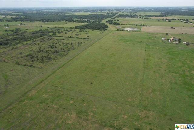 901 County Road 382, Hallettsville, TX 77964 (#443457) :: First Texas Brokerage Company