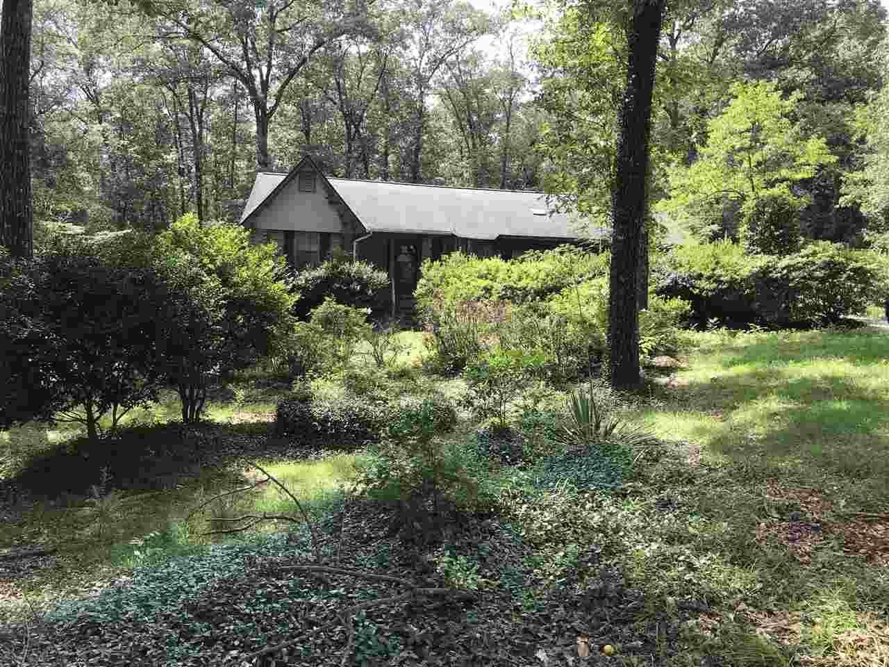 105 Crestwood Circle - Photo 1