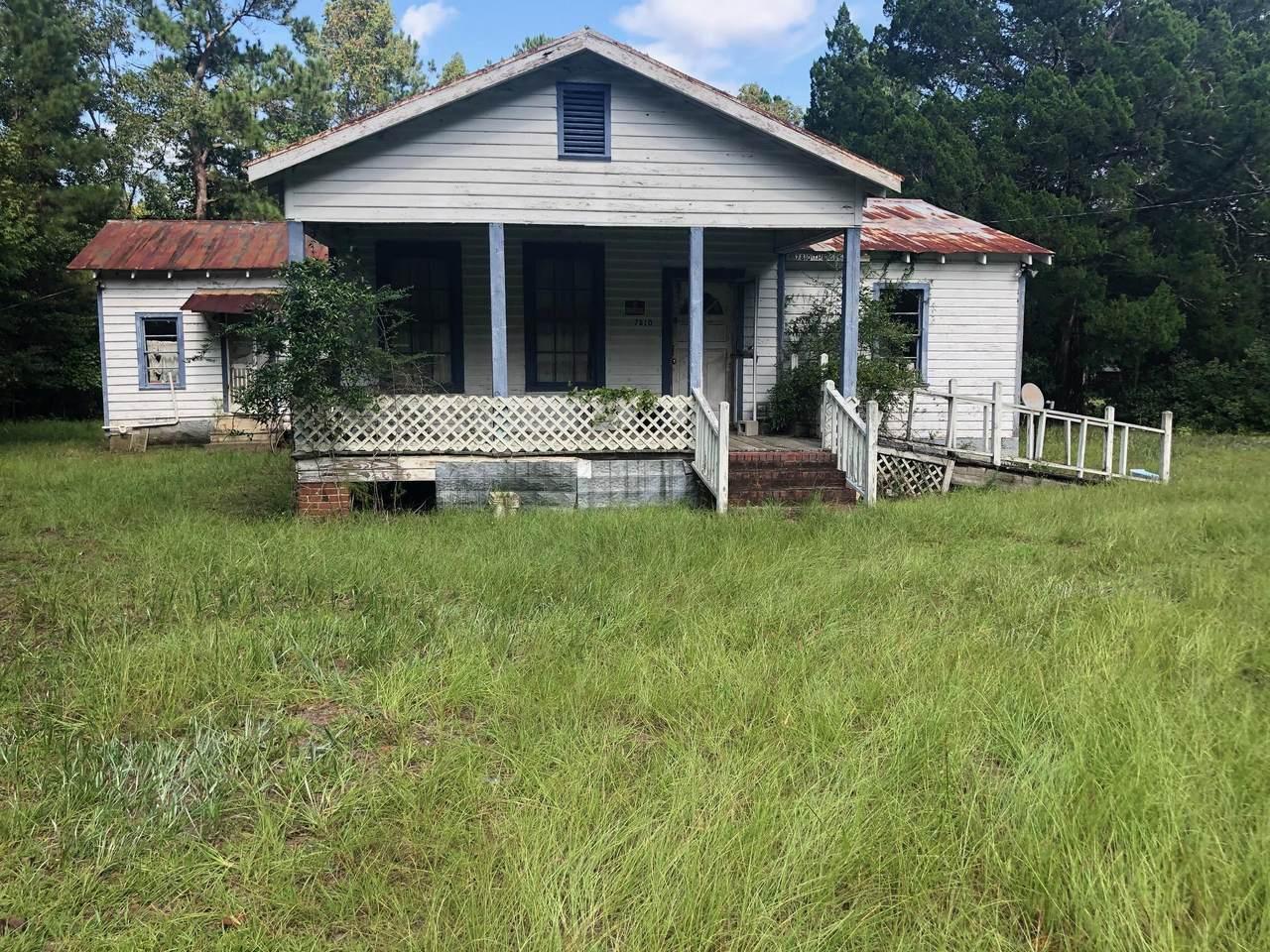 7810 Oakville Road - Photo 1