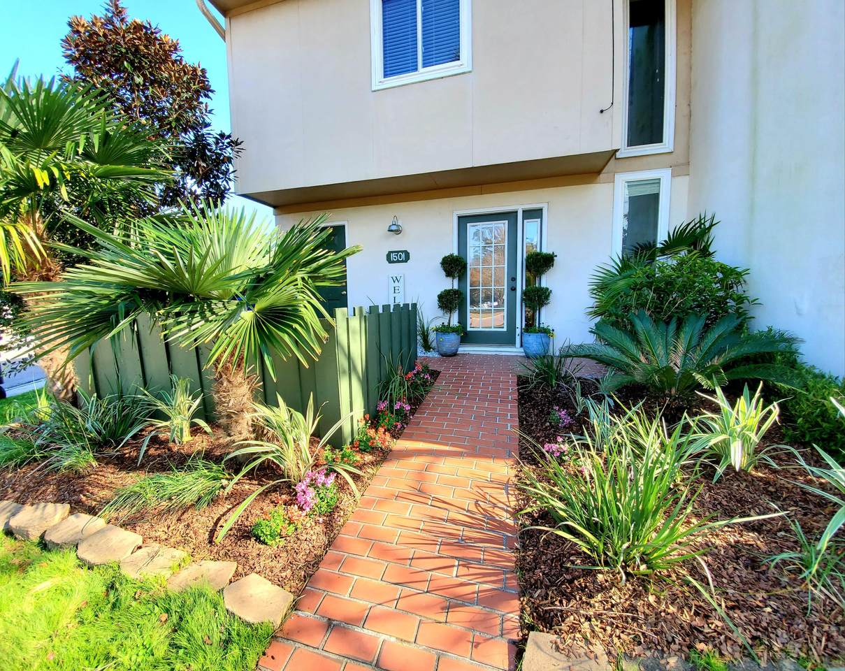 1501 Ventura Place - Photo 1