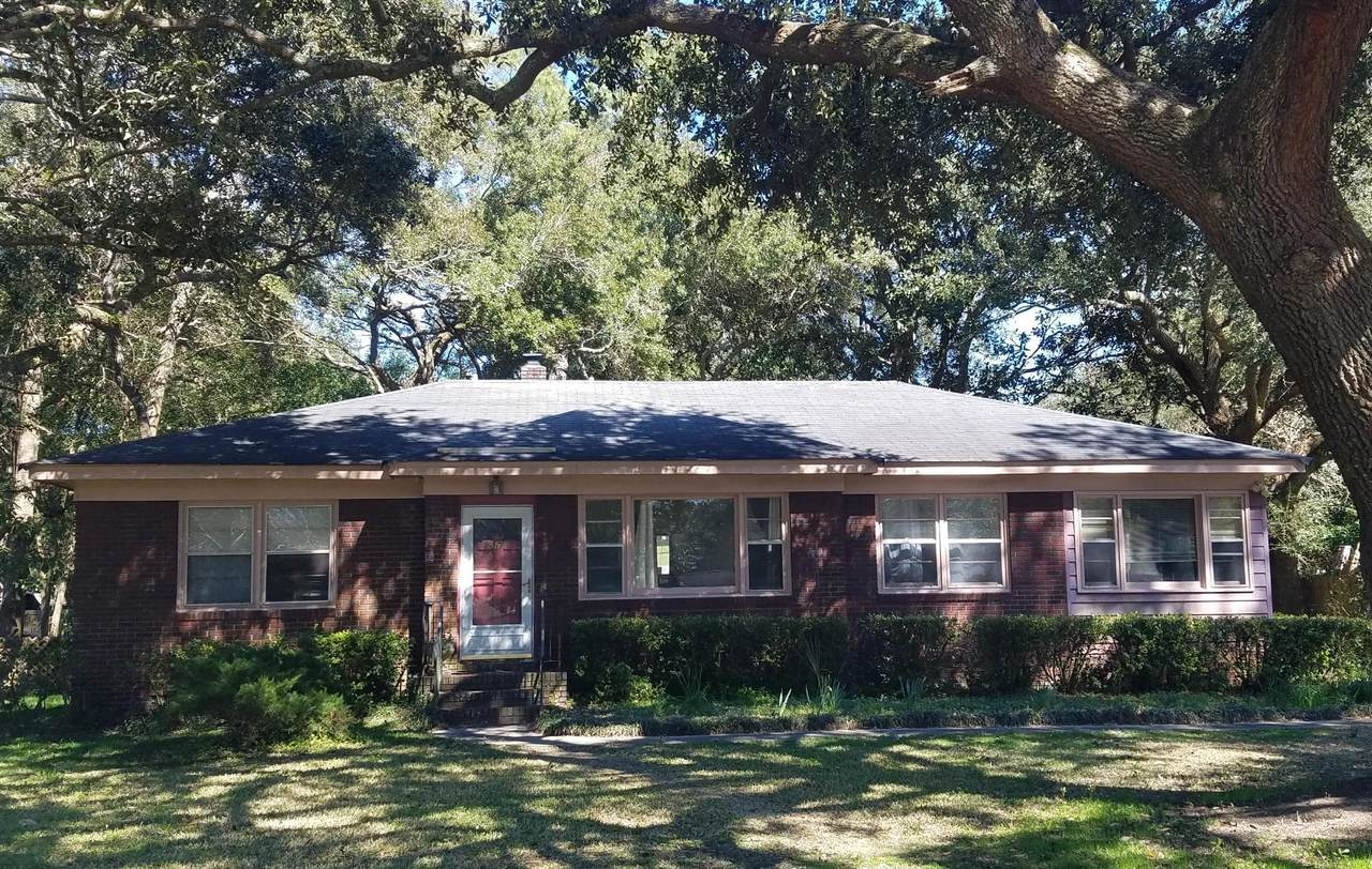 352 Hobcaw Drive - Photo 1